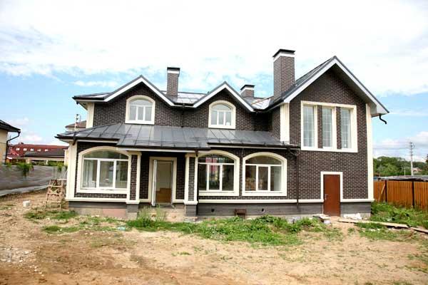 Проекты дач и загородных домов с мансардой